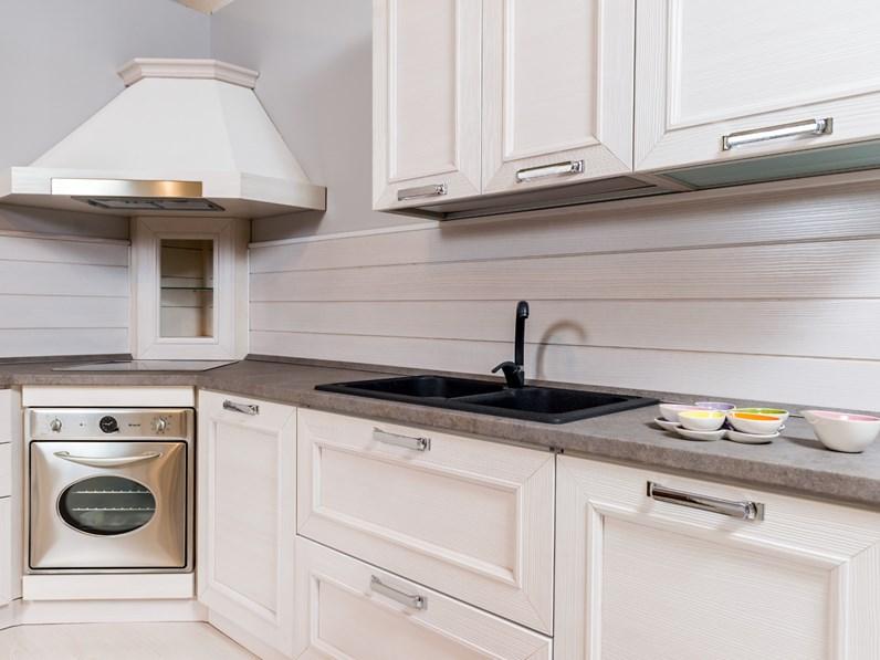 Cucina country ad angolo stosa cucine montecarlo in legno for Soggiorno a montecarlo