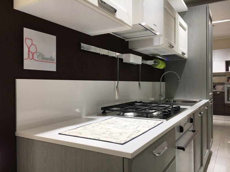 Cucina country lineare Lube Cucine Claudia a prezzo ribassato