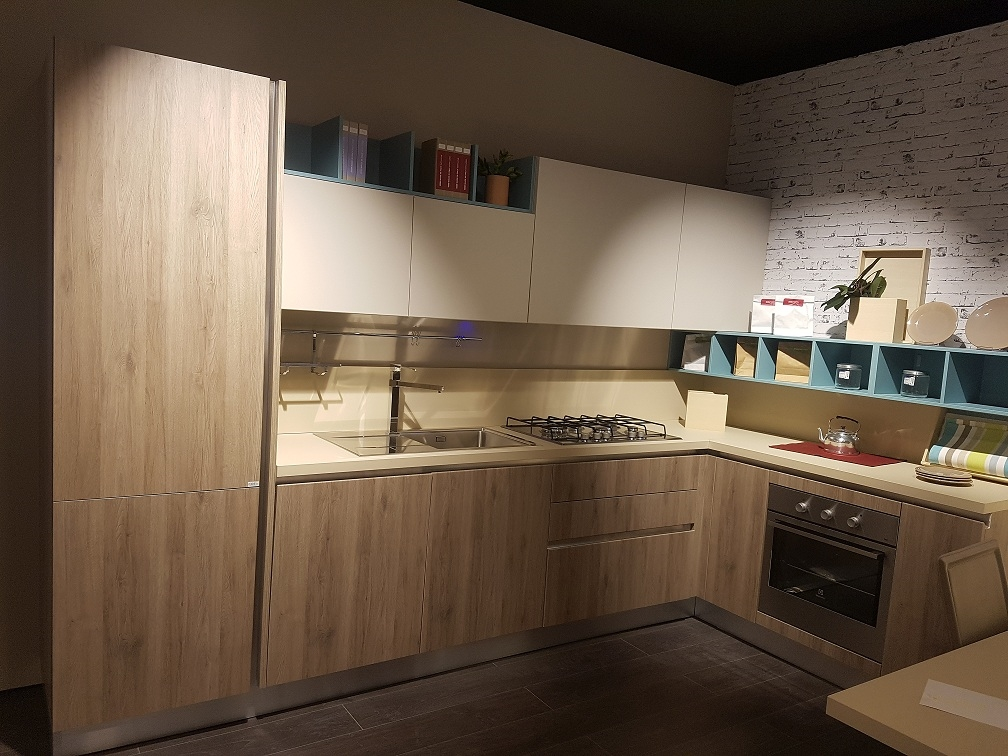 Creo kitchens cucina ank con gola scontato del 45 for Outlet arredamento roma