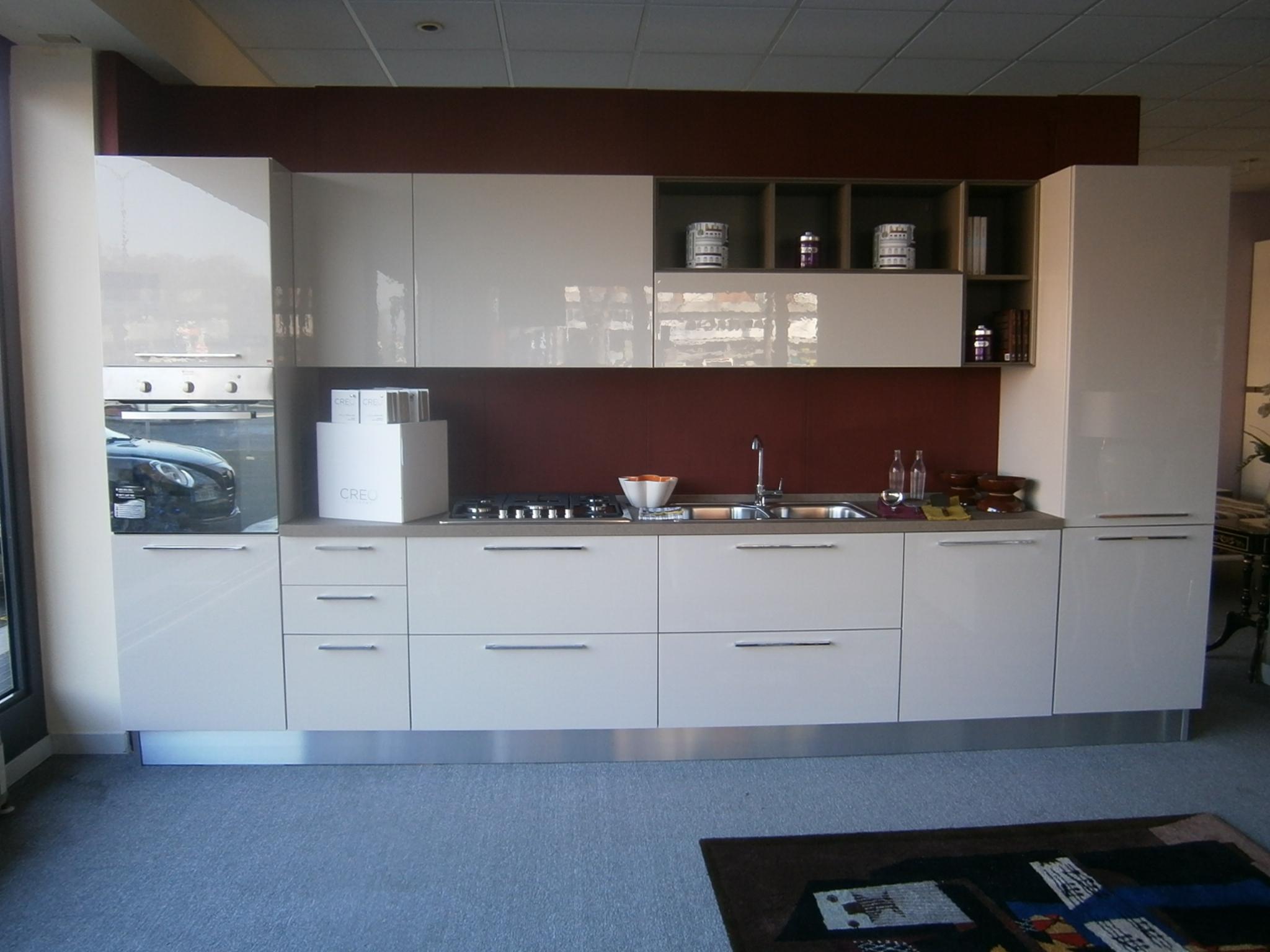 Cucina creo kitchens creo modello zoe laminato acrilico for Cucina zoe
