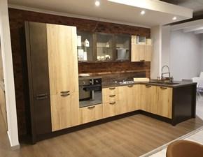 Cucina Creo kitchens industriale con penisola rovere chiaro in melaminico Kyra