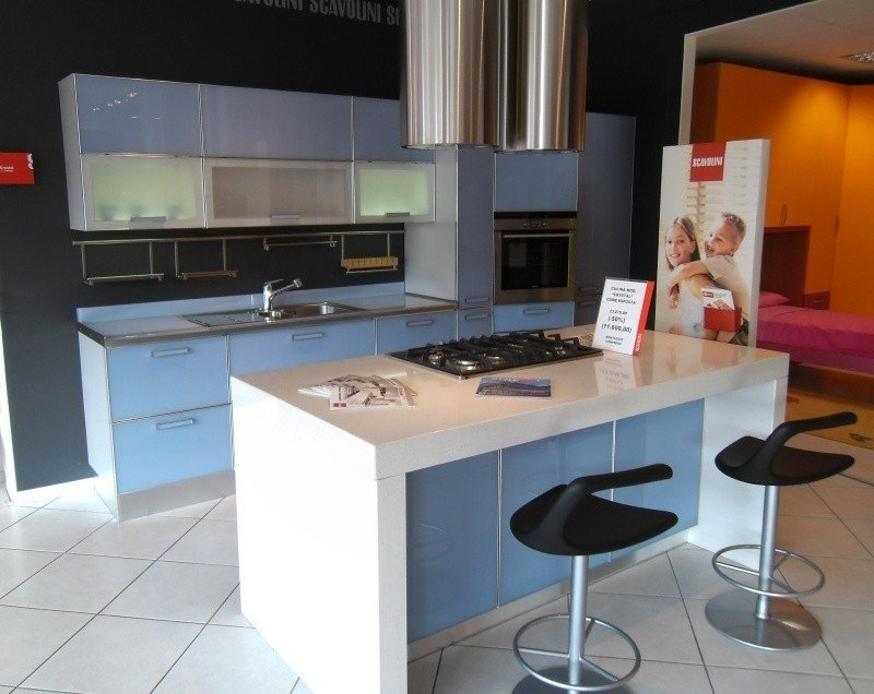 Cucina scavolini crystal moderna vetro azzurro cucine a - Cucine con panca ...