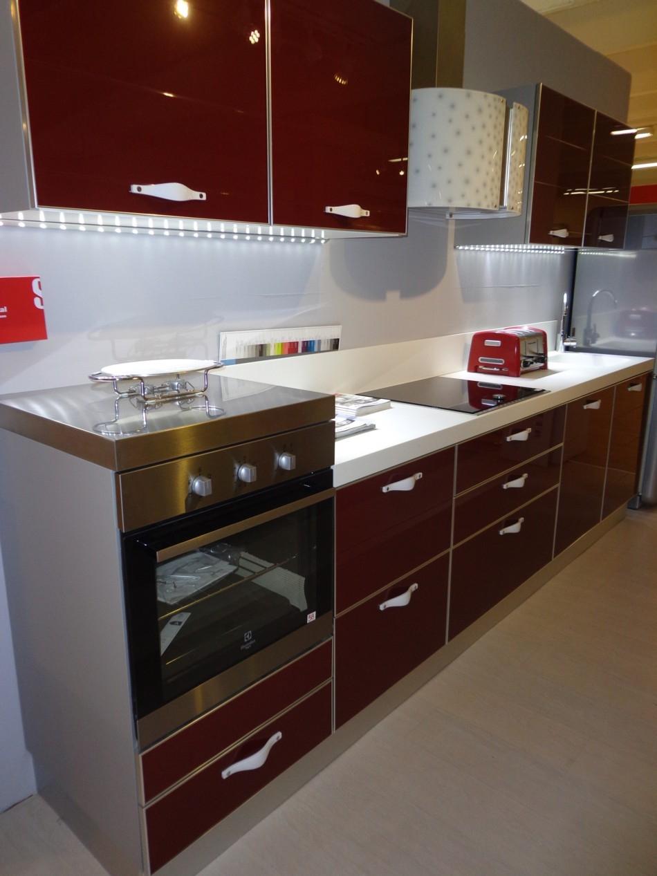 Cucina crystal scavolini in offerta cucine a prezzi scontati - Allacciamenti cucina costo ...