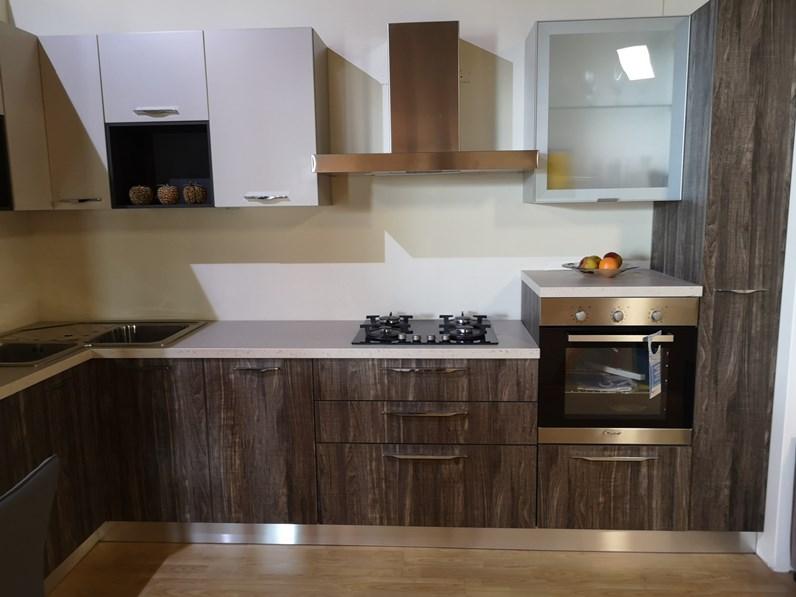 Cucina cucina angolo laminato moderna altri colori ad angolo spar - Cucina moderna ad angolo ...