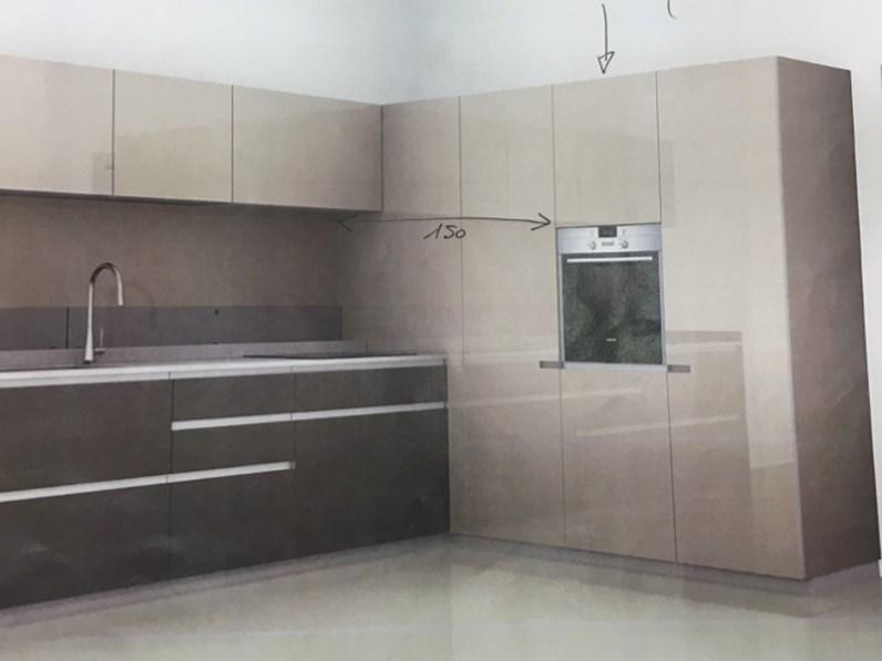 Cucine Ernestomeda Prezzo : Cucina design ad angolo ernestomeda icon a prezzo scontato