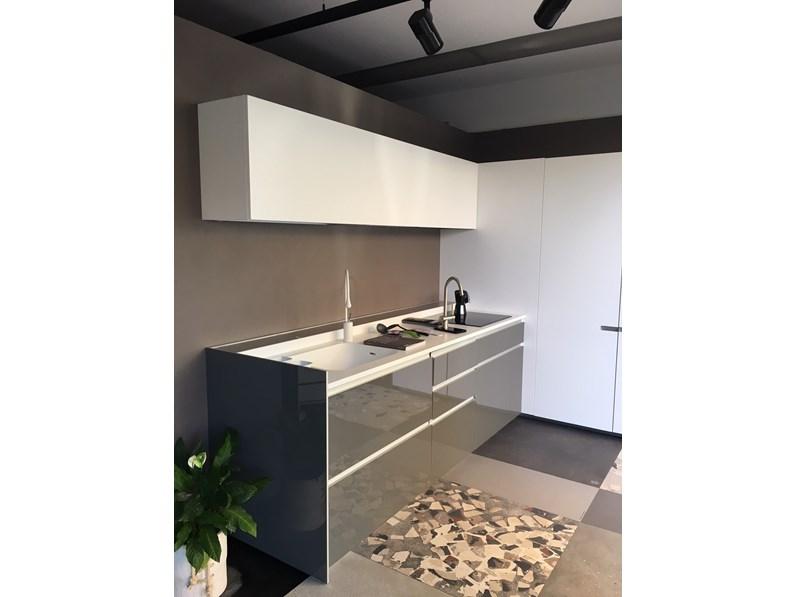 Cucina design ad angolo ernestomeda icon a prezzo scontato - Prezzo cucine ernestomeda ...