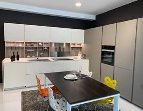 Cucina design ad angolo Ernestomeda Obliqua a prezzo ribassato