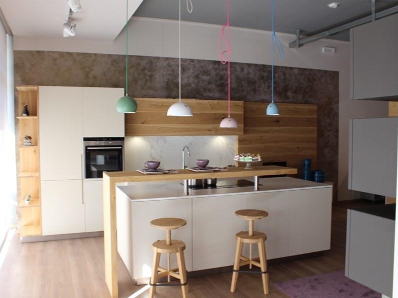 Cucina design ad isola \'\'Balì Cova Cucine\'\' prezzo imbattibile