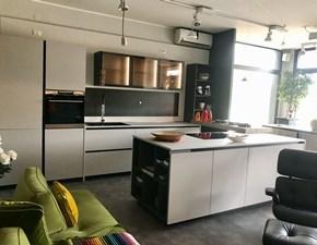 Cucina design ad isola Berloni cucine Charisma new gola  a prezzo scontato