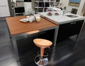 Cucina design ad isola Dada Banco a prezzo scontato