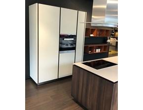 Cucina design ad isola Poliform Artex a prezzo ribassato