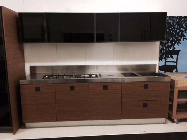 Cucina design altri colori ernestomeda lineare silver tk for Outlet cucine design