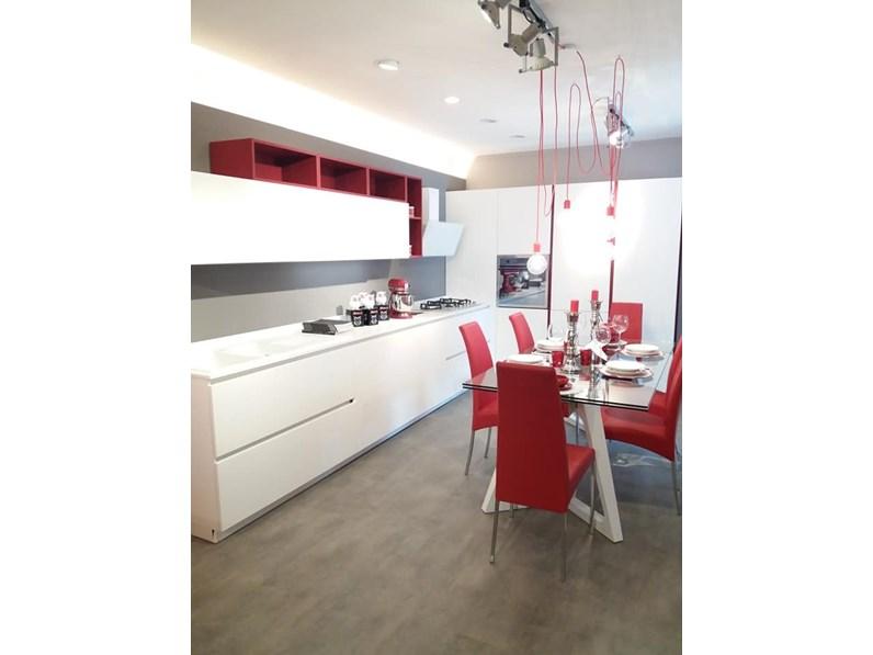 Cucina design bianca arrital cucine ad angolo ak 03 in for Cucine di design outlet
