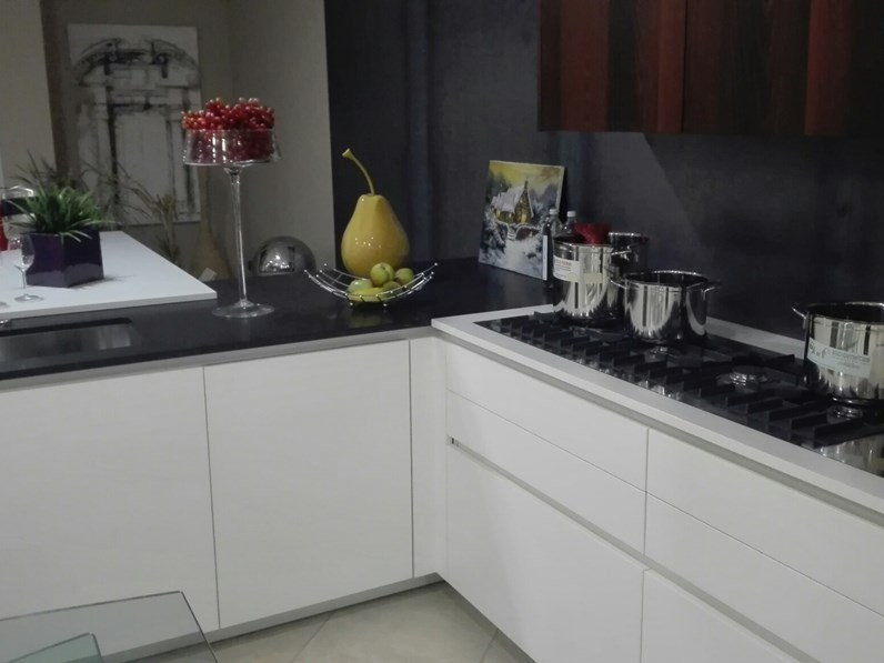 Cucina design bianca Boffi ad angolo Xila in Offerta Outlet
