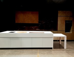 Cucina design bianca Elmar cucine ad isola El_01 in Offerta Outlet