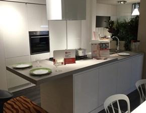 Cucina design bianca Scavolini ad isola Evolution  scontata