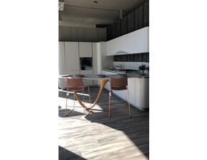 Cucina design bianca Snaidero con penisola Ola 20 scontata