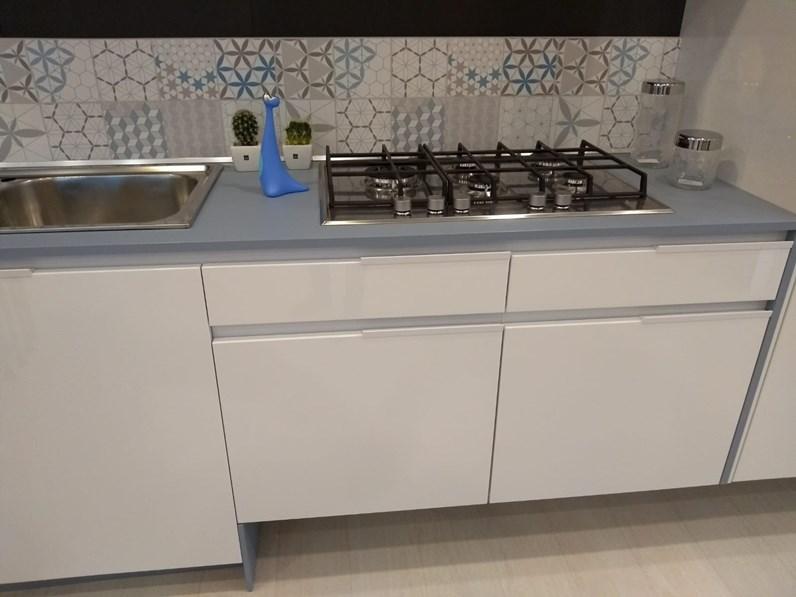 Cucina design bianca Snaidero lineare Orange scontata