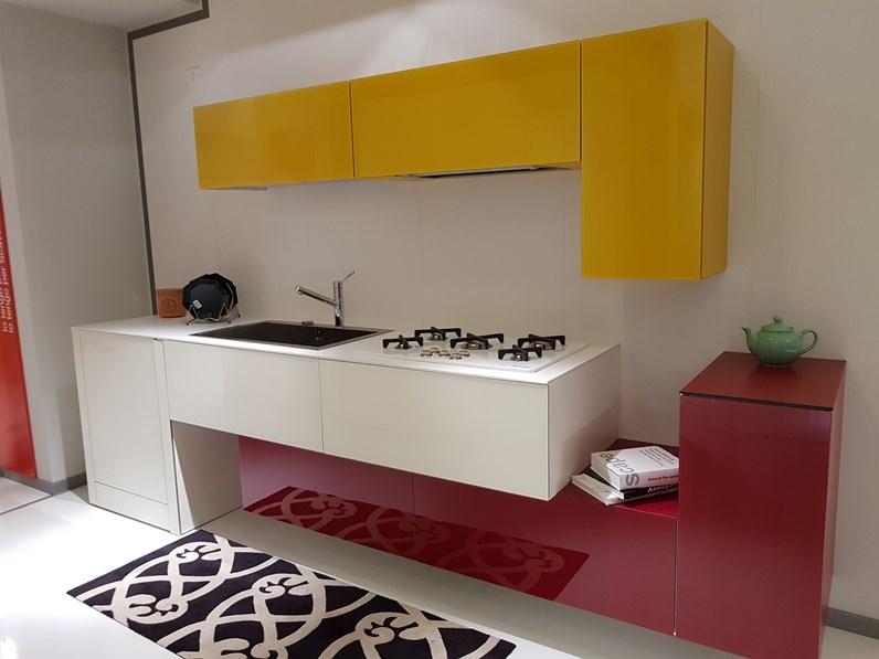 Cucina design lineare 36e8 di lago in offerta for Ditta lago mobili