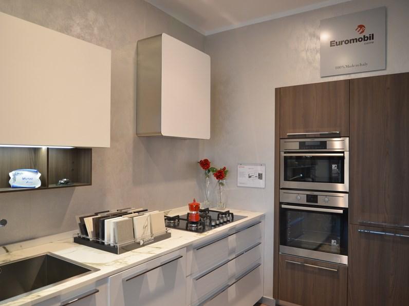 Cucina design lineare Euromobil Lain ecolaccato bianco ottico a ...