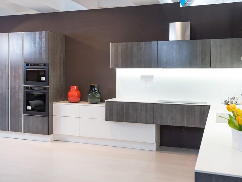 Cucina di design ad angolo in vetro effetto pietra grigia, top stratificato  in offerta speciale