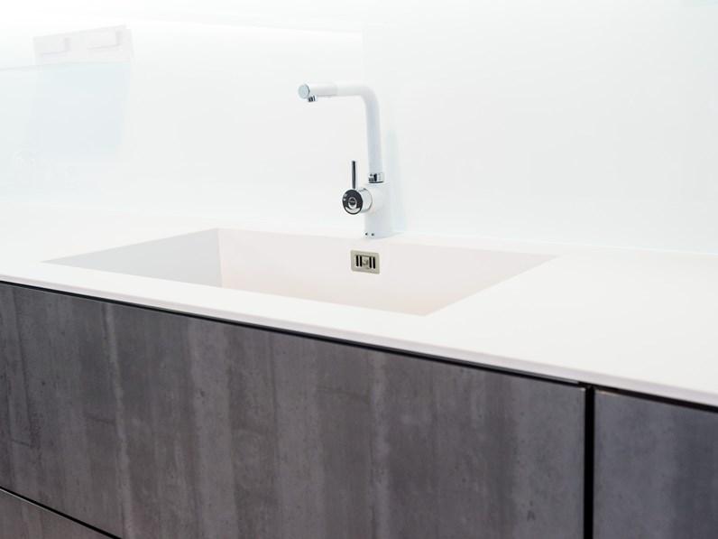 Cucina di design ad angolo in vetro effetto pietra grigia - Top cucina in vetro ...