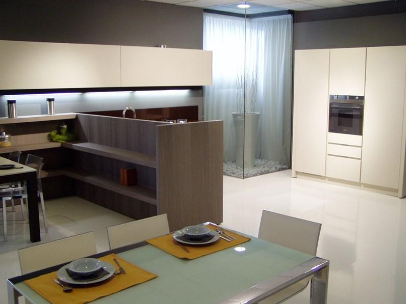 Cucina di design con penisola rovere moro sbiancato e piano quarzo cioccolato in offerta speciale - Rovere sbiancato cucina ...