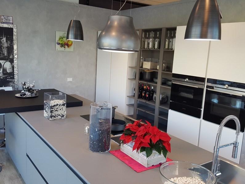 Cucina Dibiesse design ad isola grigio in resina cementizia Area 22