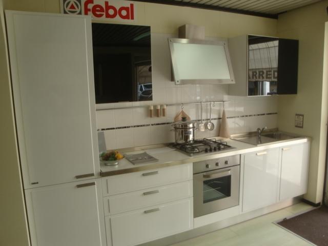 Cucina dream febal bianca cucine a prezzi scontati - Cucina bianca lucida ...