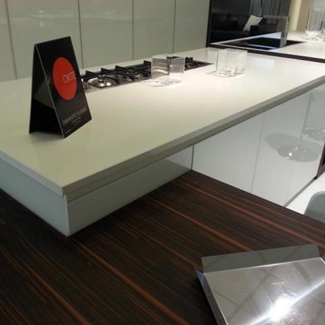 Cucina ebano e vetro bianco lucido top okite cucine a for Visma arredo ufficio