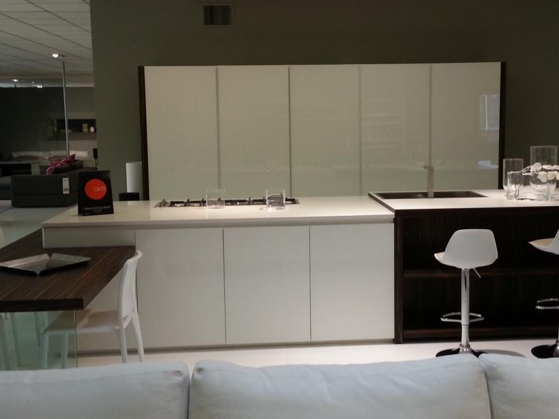 Cucina ebano e vetro bianco lucido top okite with piani - Piano cucina okite ...