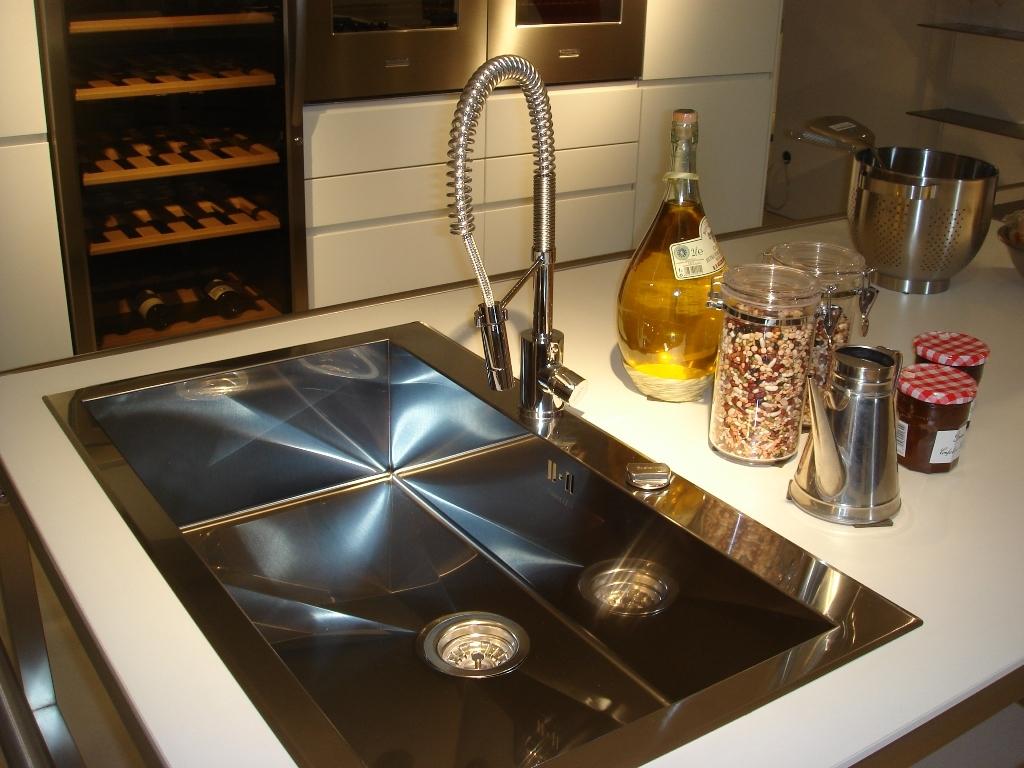 Cucina elmar el 01 con isola work station cucine a - Cucine elmar prezzi ...