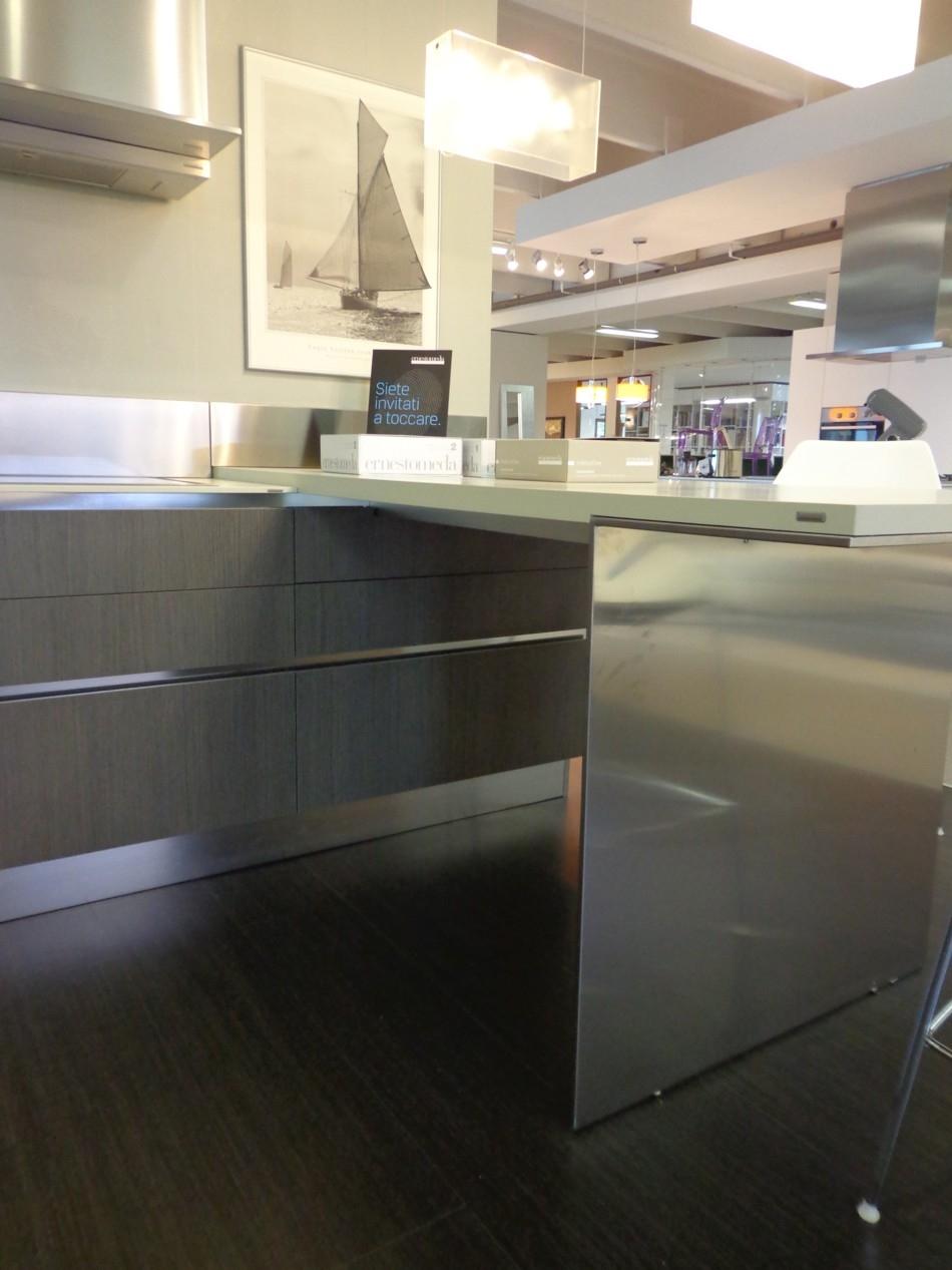 Cucina emetrica ernestomeda cucine a prezzi scontati - Allacciamenti cucina costo ...