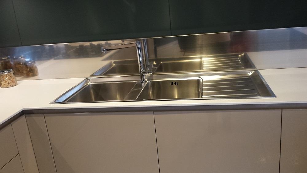 Cucine Moderne Con Isola Ernestomeda