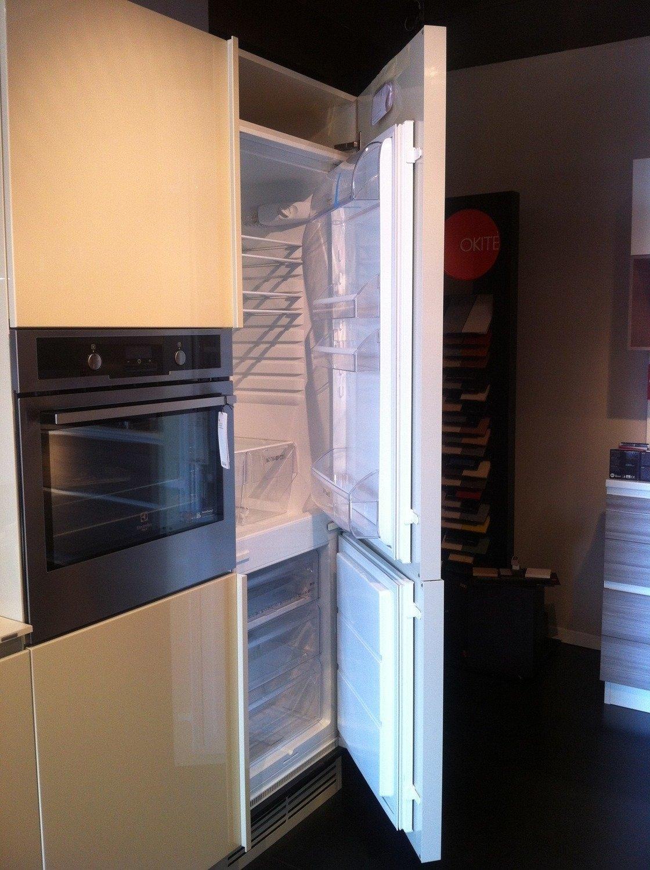 Cucina ernestomeda in offerta 9352 cucine a prezzi scontati for Outlet cucine lazio