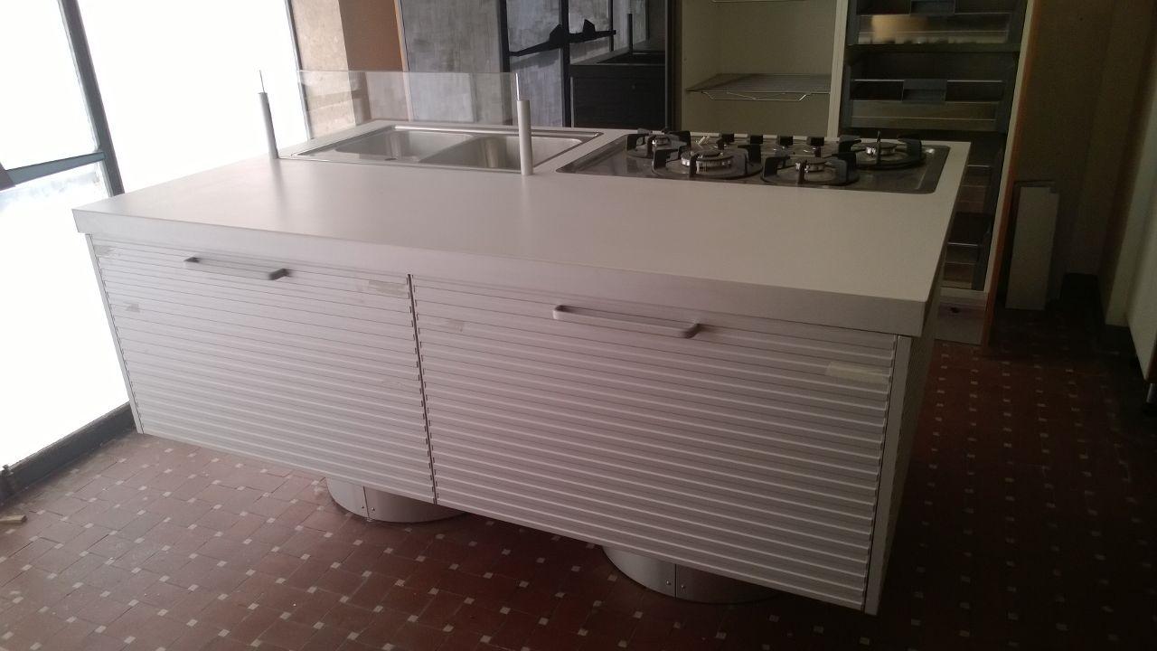 Cucina ernestomeda silverbox alluminio dogato scontato del - Blocco cucina prezzi ...
