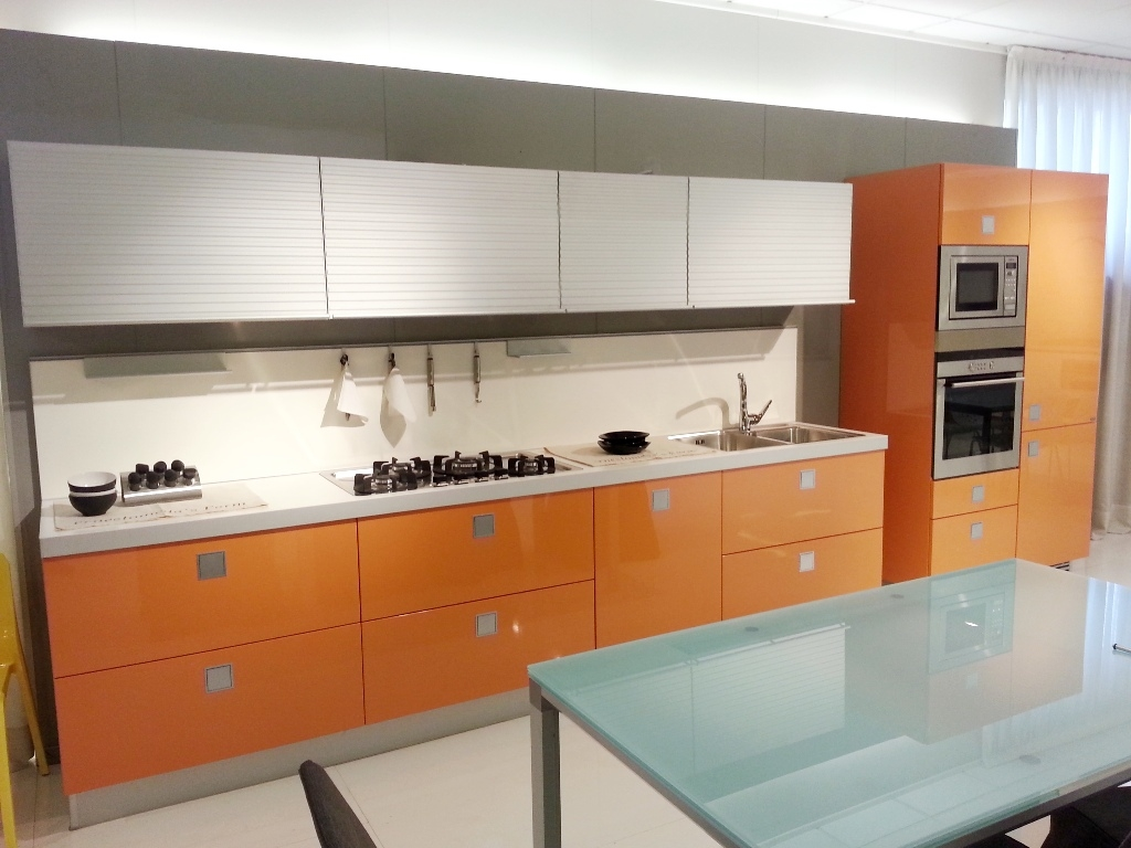 Elegant cucina ernestomeda silverbox mandarino lucido - Cucine gatto catalogo prezzi ...