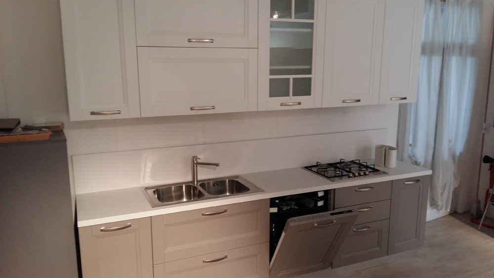 Cucina essebi cucine alba color platino e bianca moderno - Cucina bianca e legno ...