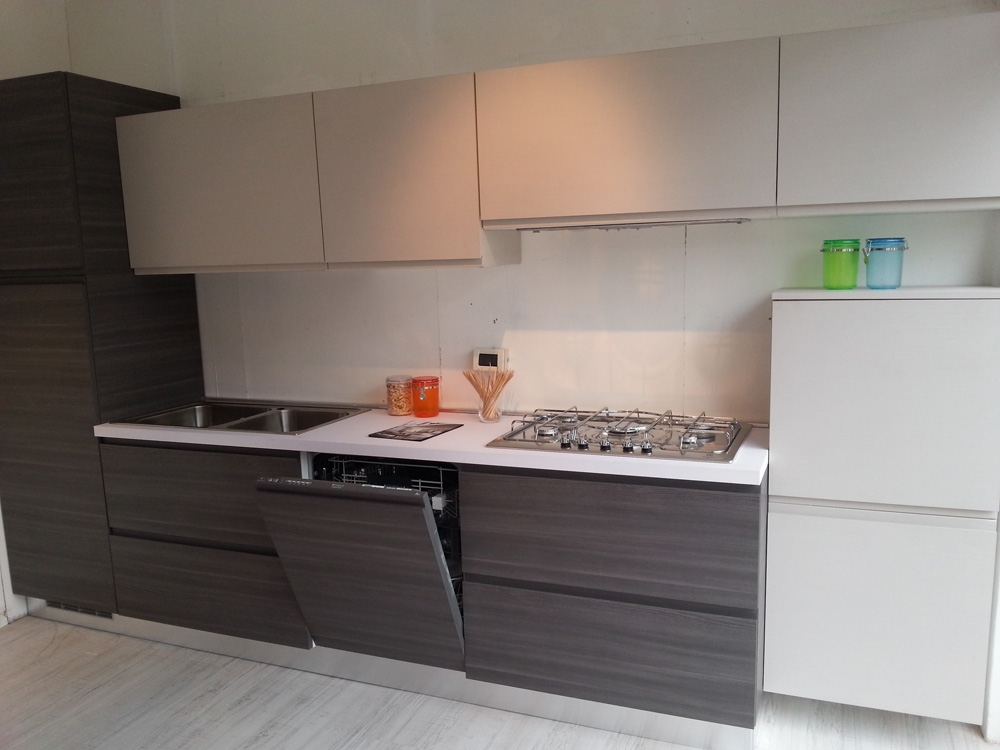 Cucina essebi cucine zenit moderna laminato materico - Cucine essebi prezzi ...