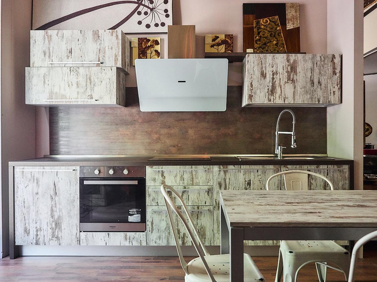 Cucina Moderna In Essenza : Cucina essenza vintage moderna in offerta outlet