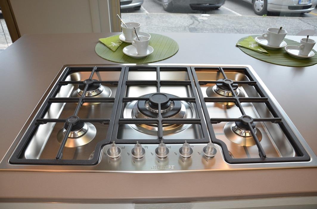 Cucina euromobil e25 moderna legno cucine a prezzi scontati - Cucina piano cottura e forno ...