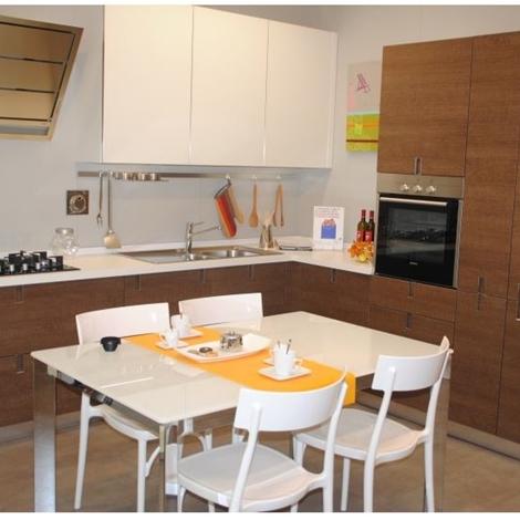 Cucina euromobil in melaminico e vetro modello laclip - Prezzi cucine euromobil ...