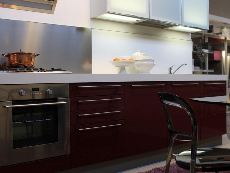 Cucina euromobil moderna lineare polimerico amaranto - Laccare ante cucina ...