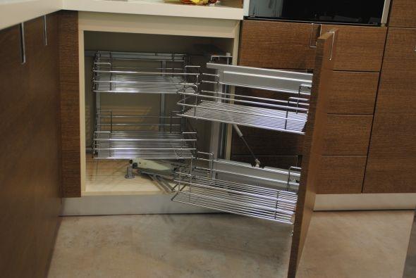 Cucina euromobil scontata 16746 cucine a prezzi scontati for Cestelli estraibili per cucina ad angolo
