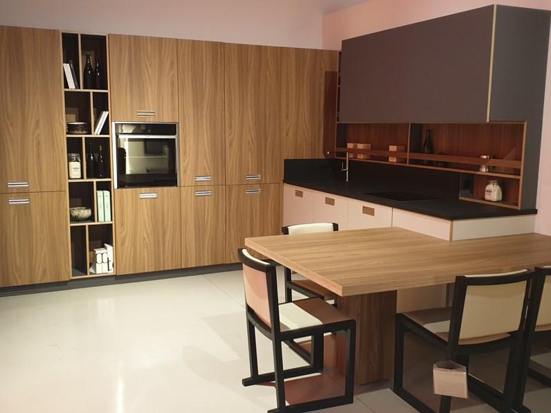 Cucina Noce Moderna.Cucina Falegnameria Italiana Moderna Ad Angolo Noce In Laminato Materico Milano