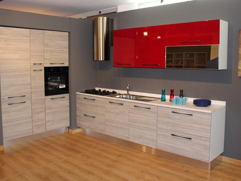 Cucina febal mod ice prezzo outlet scontata del 55 for Cucine rosse moderne