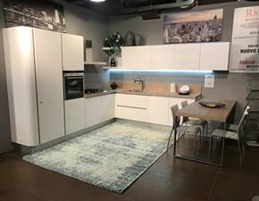 Cucina Febal moderna con penisola bianca in laminato materico Primavera