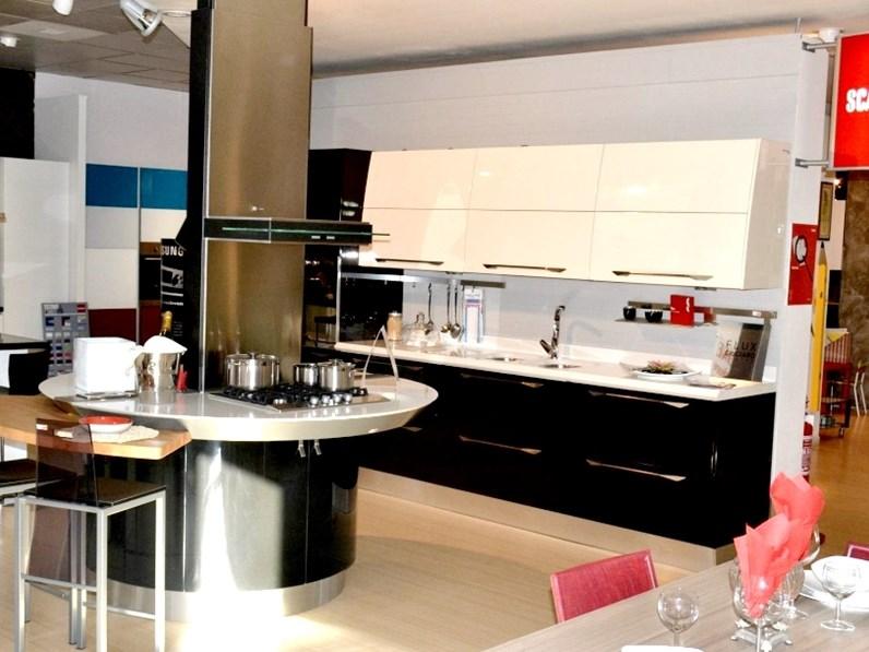 Cucina Flux moderna altri colori ad isola Scavolini