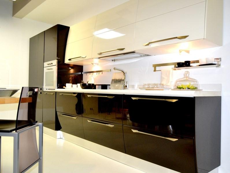 Cucina flux moderna altri colori ad isola scavolini - Colori cucina moderna ...