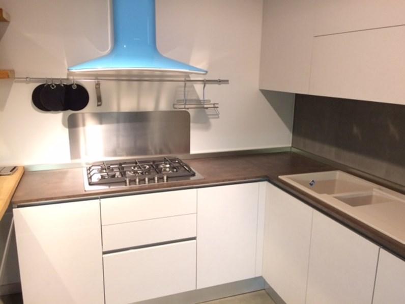Cucina ged cucine by gd arredamenti cucina ged mod space for Arredamento di marca scontato